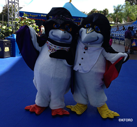 2013-seaworld-spooktacular-penny-and-pete.jpg