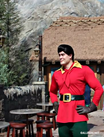 Gastons-pub-character-meet.jpg