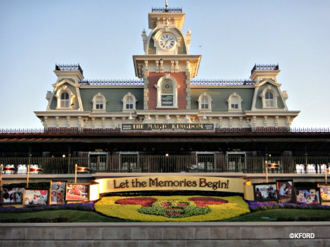 Magic-Kingdom-train-station.jpg