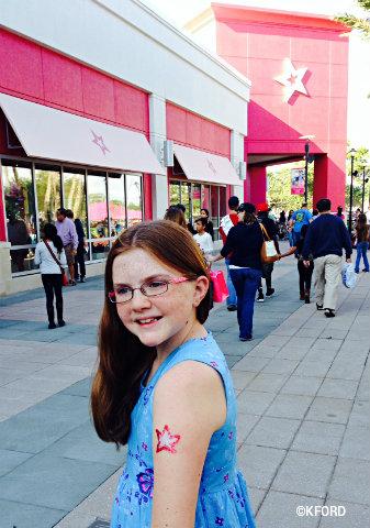 american-girl-store-lauren-glitter-tattoo.jpg
