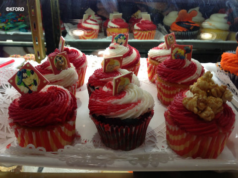 big-top-souvenirs-circus-cupcakes.jpg