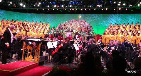 candlelight-processional-full-choir.jpg