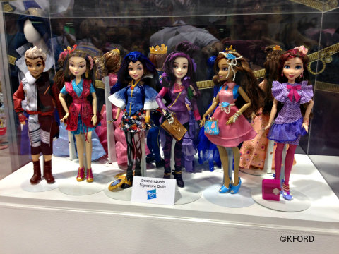 d23-expo-disney-consumer-products-descendants-dolls.jpg
