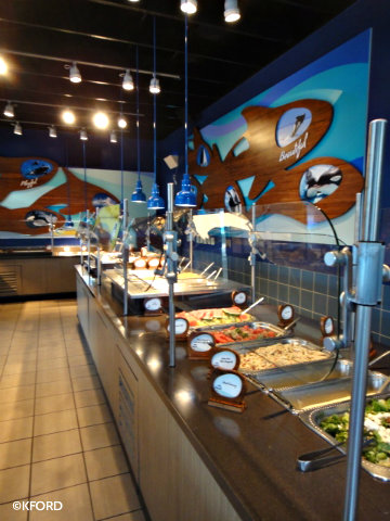 dine-with-shamu-buffet.jpg
