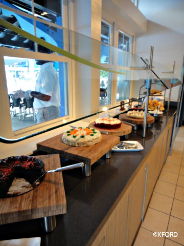 dine-with-shamu-desserts.jpg