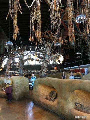disney-animal-kingdom-pandora-inside-satuli-canteen.jpg
