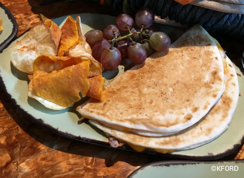 disney-animal-kingdom-pandora-satuli-canteen-kids-quesadillas.jpg