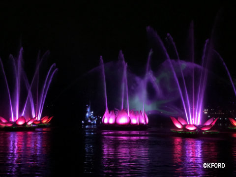disney-animal-kingdom-rivers-of-light-lotus-flower-fountains.jpg