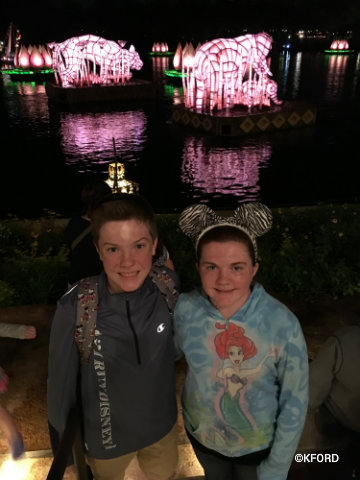disney-animal-kingdom-rivers-of-light-photo-op-1.jpg