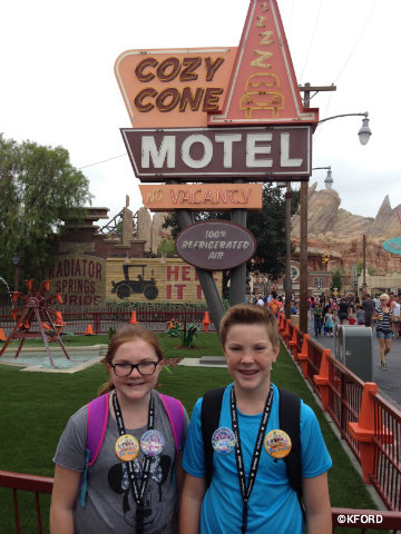 disney-california-adventure-cars-land-cozy-cone-motel.jpg