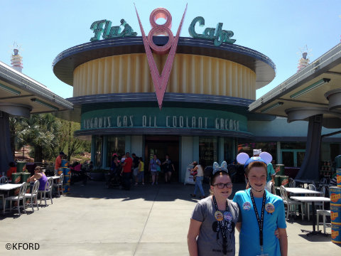 disney-california-adventure-cars-land-flos-v8-cafe.jpg