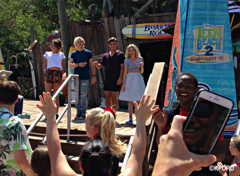 disney-channel-teen-beach-2-actors-typhoon-lagoon.jpg