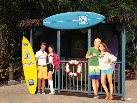 disney-channel-teen-beach-2-typhoon-lagoon-photo-op.jpg