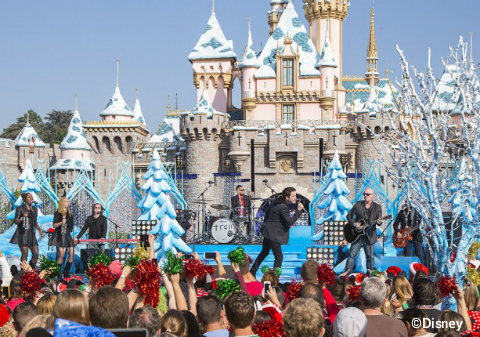 disney christmas parade taping 2014 trainjpg