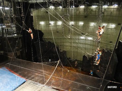 disney-cirque-du-soleil-la-nouba-trapeze-2.jpg