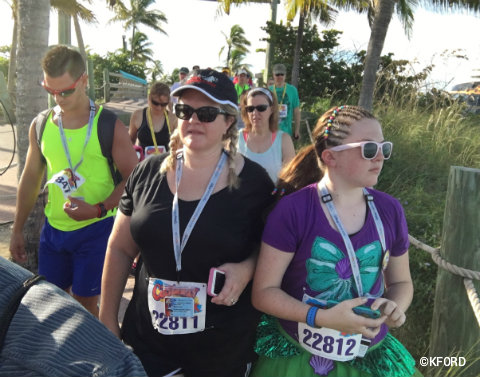 disney-cruise-line-castaway-cay-5k-walk-to-starting-line.jpg