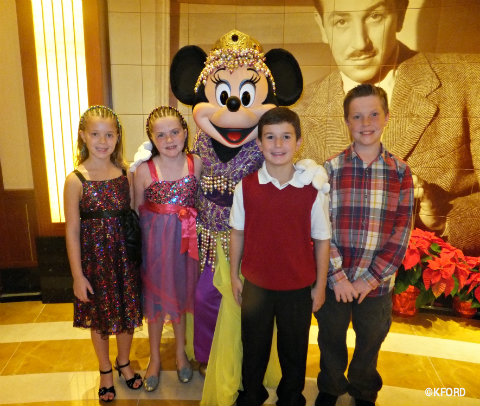disney-cruise-line-dining-with-kids.jpg