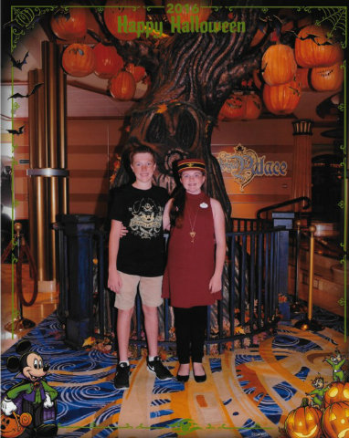 disney-cruise-line-halloween-on-the-high-seas-pumpkin-tree-kids.jpg