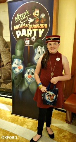 disney-cruise-line-halloween-on-the-high-seas-trick-or-treating.jpg