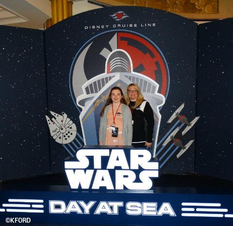 disney-cruise-line-star-wars-at-sea-lobby-photo-op.jpg