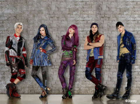 disney-descendants-2-cast.jpg