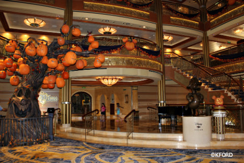 Sleepy Hollow Ford >> Review: Disney Cruise Line's Halloween on the High Seas (A ...
