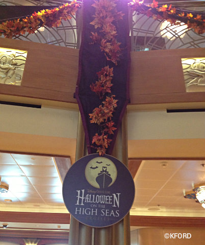 disney-dream-halloween-sign-with-leaves.jpg