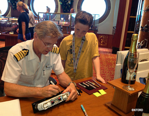 disney-fantasy-captain-tom-autograph.jpg