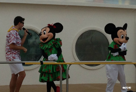 disney-fantasy-deck-the-deck-mickey-minnie.jpg