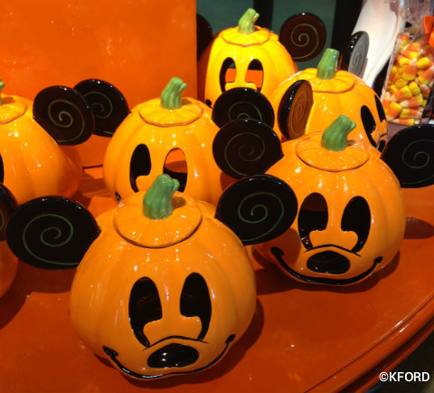 disney-halloween-mickey-pumpkin.jpg