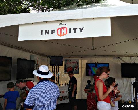 disney-infinity-booth.jpg