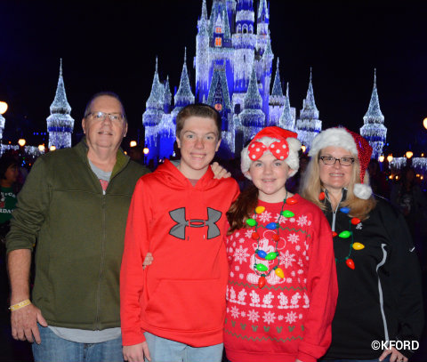 disney-mickeys-very-merry-christmas-party-family-photo.jpg