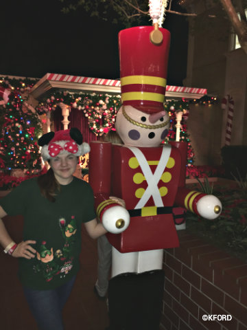 disney-mickeys-very-merry-christmas-party-lauren-toy-soldier.jpg