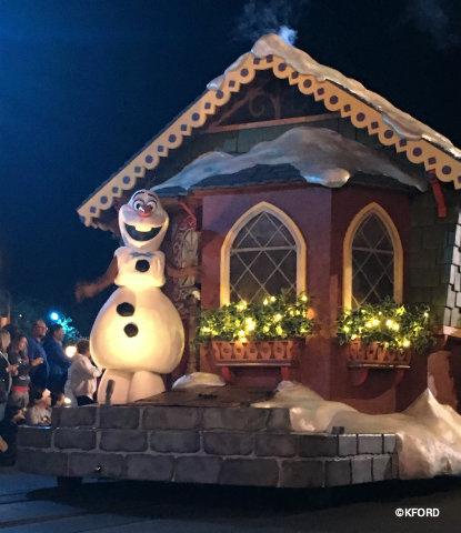 disney-mickeys-very-merry-christmas-party-olaf-float.jpg