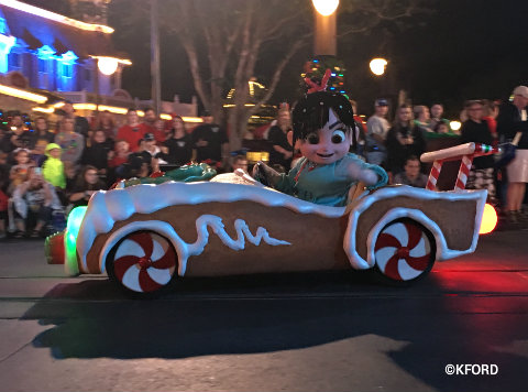disney-mickeys-very-merry-christmas-party-parade-vanellope.jpg