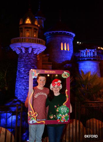 disney-mickeys-very-merry-christmas-party-photopass-party-frame.jpg