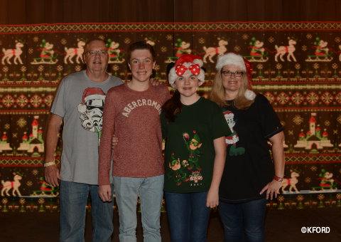 disney-mickeys-very-merry-christmas-party-photopass-sweater-pattern.jpg