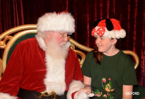 disney-mickeys-very-merry-christmas-party-santa-lauren.jpg