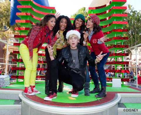 disney-parks-christmas-day-parade-ross-lynch.jpg