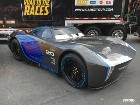 disney-pixar-cars3-road-to-the-races-jackson-storm.jpg