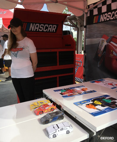disney-pixar-cars3-road-to-the-races-nascar-booth.jpg