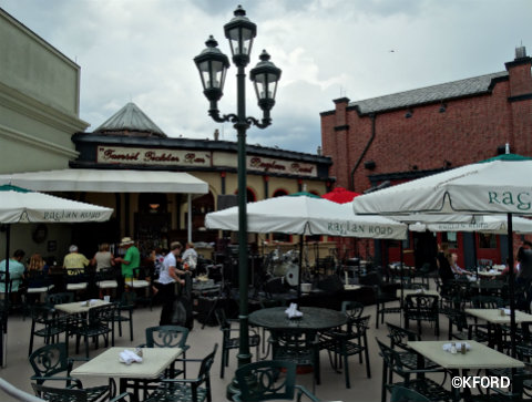 disney-springs-raglan-road-outdoor-patio.jpg