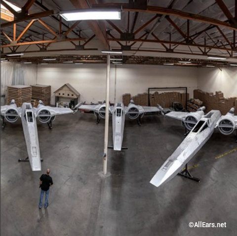 disney-star-wars-galaxys-edge-x-wing-fighters.jpg