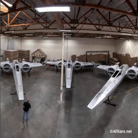 disney-star-wars-galaxys-edge-x-wing-fighters.jpg