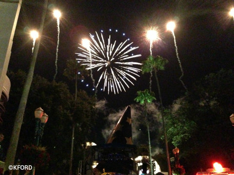 disney-symphony-in-the-stars-fireworks1.jpg