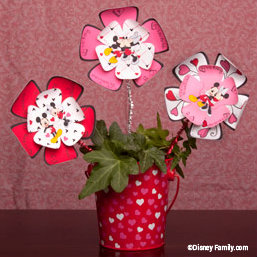 disney-valentines-mickey-minnie-paper-flowers.jpg
