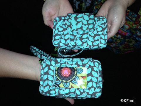 disney-vera-bradley-Perfect-Petals-wristlet.jpg