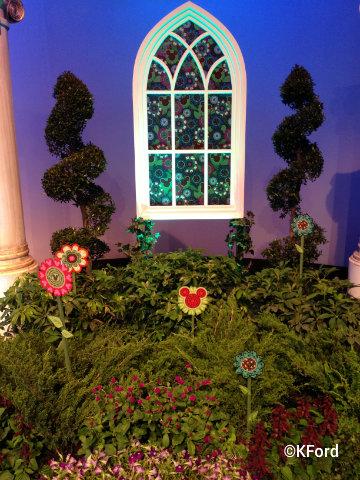 disney-vera-bradley-perfect-petals-garden.jpg