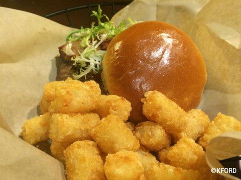 disney-wilderness-lodge-roaring-fork-brisket-cheeseburger.jpg