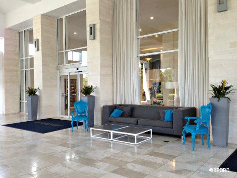 disney-world-b-hotel-entrance.jpg